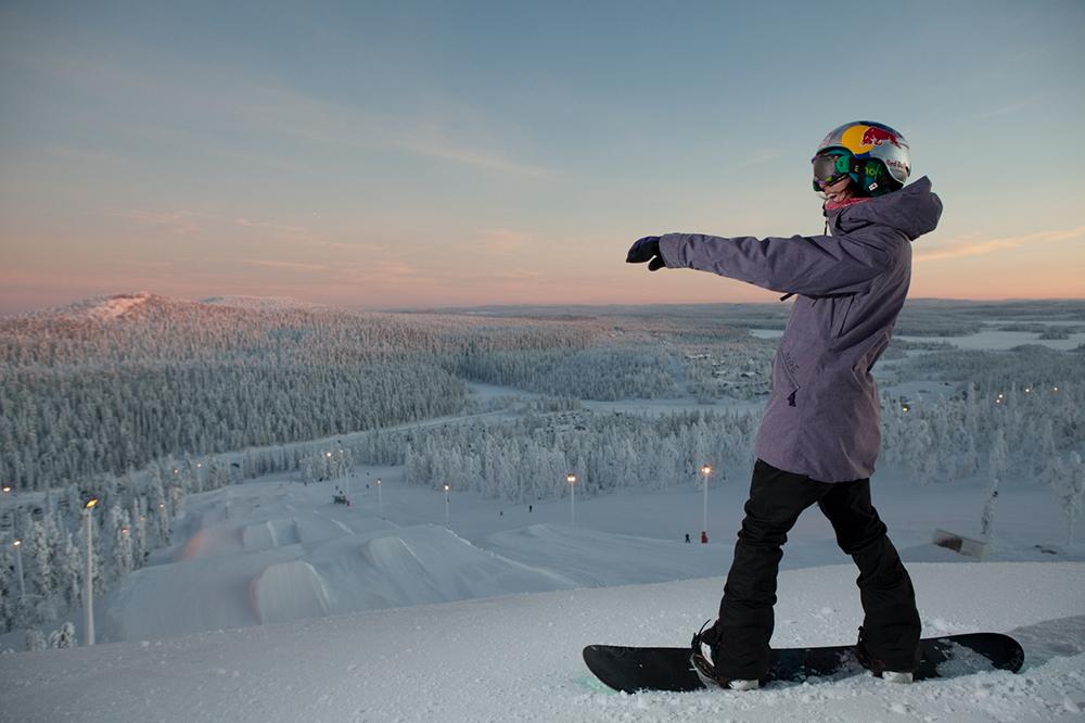 """""""Kuusamon alueen luonto on jotain aivan ainutlaatuista. Se on paljon koskemattomampi ja jotenkin erityinen. Minusta on paikkakuntalaisten ja matkailijoiden vastuu huolehtia siitä, että luonto säilyy tällaisena jatkossakin"""" -Enni Rukajärvi"""