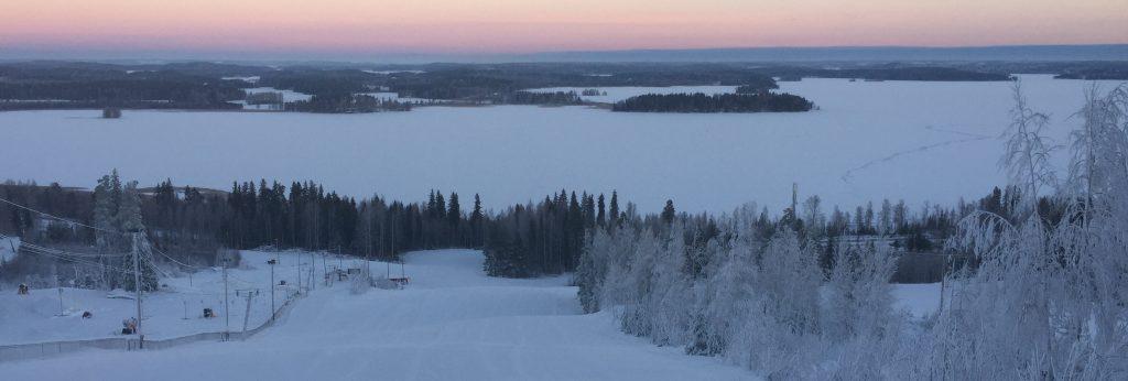 Hiihtokeskukset takaavat valkean joulun koko Suomeen