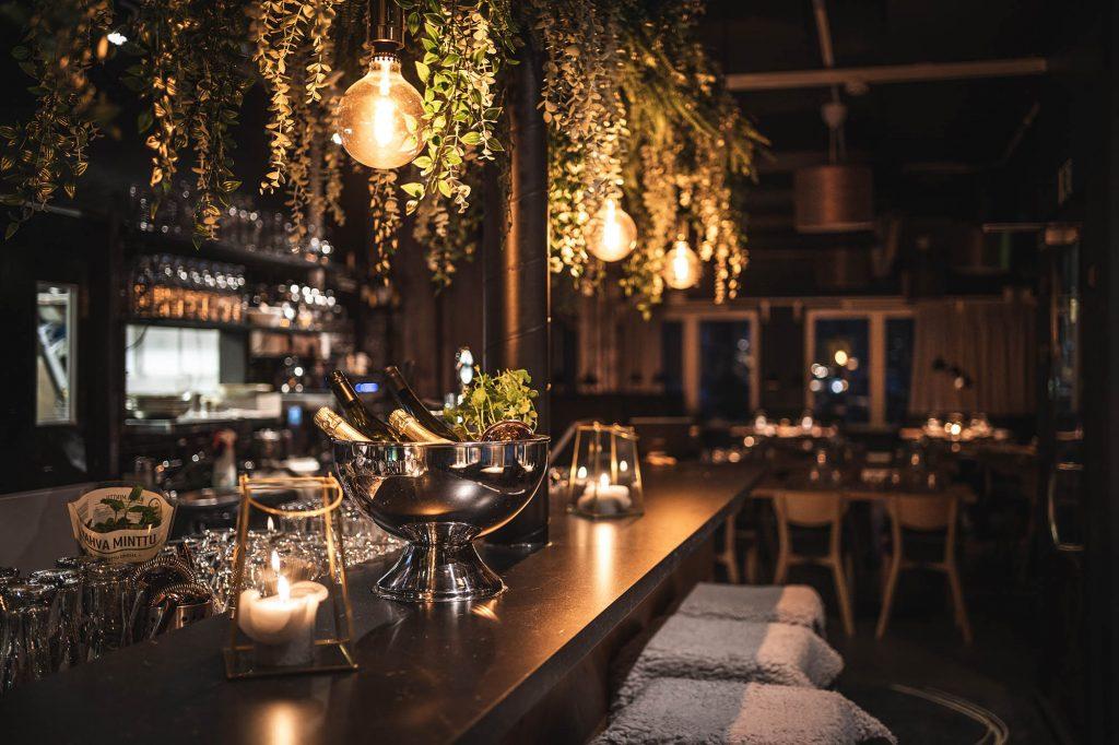 Parikymmentä persoonallista ruokaravintolaa tarjoilevat monenlaisia makuelämyksiä, joissa painottuvat puhtaat raaka-aineet sekä paikallisuus. Kuvassa Ravintola Rehti.